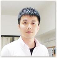 中央林間カイロプラクティックオフィスの院長である興津先生